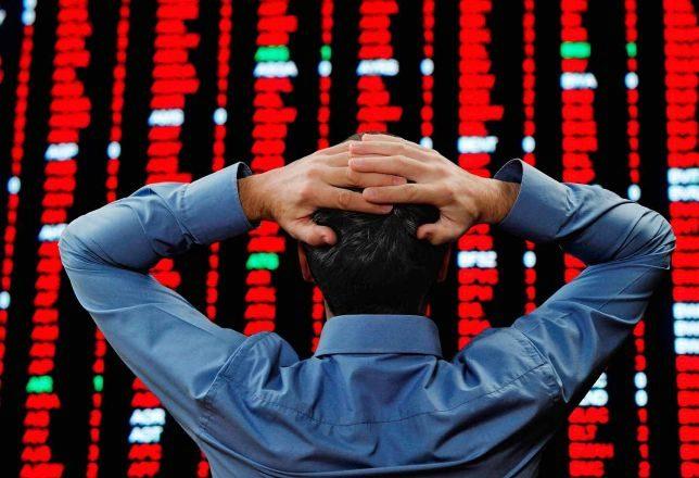 España vuelve a la recesión; ¿hay que salir de Bolsa?