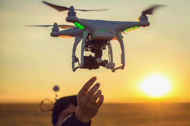 Normas para que vuelen los drones