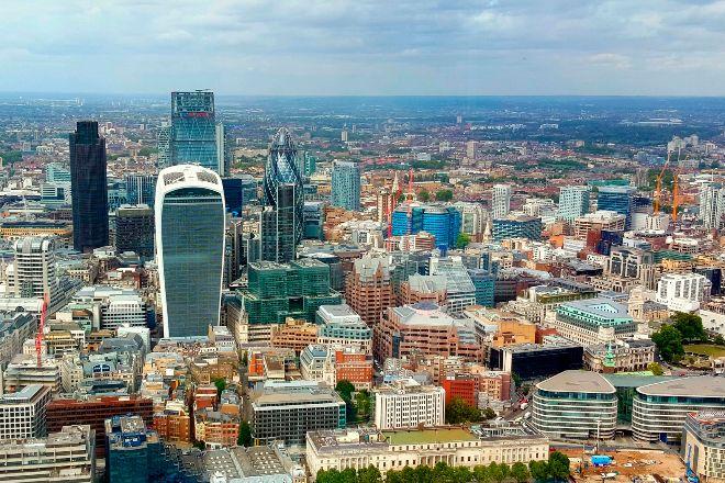 Los bufetes británicos se quejan del alto salario de los júnior