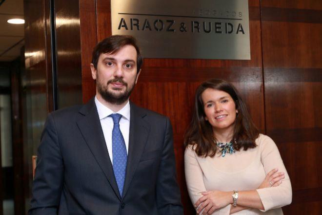 Clara Mañoso y Guillermo Bueno, nuevos socios de Araoz & Rueda