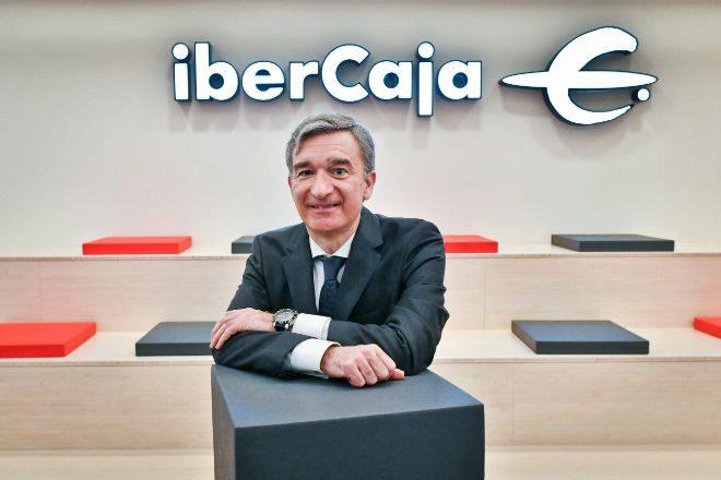 Ibercaja refuerza el área financiera para salir a Bolsa