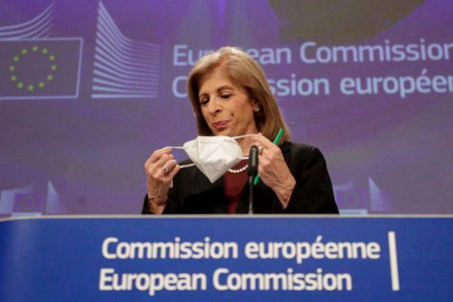 Bruselas redobla la presión sobre AstraZeneca ante la escasez de vacunas