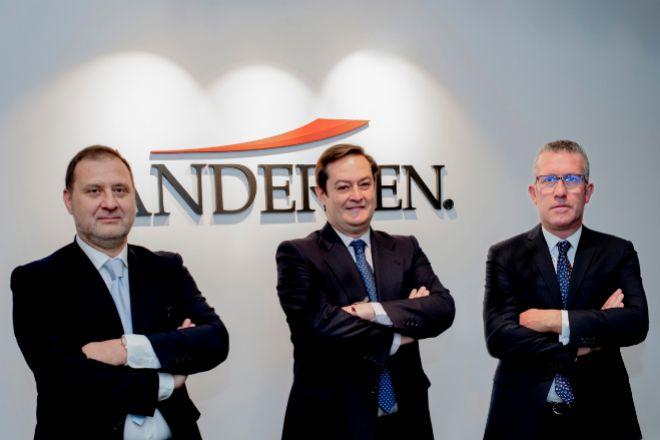 Los socios de Andersen Íñigo Rodríguez-Sastre (codirector), Javier Cubillo y José Vicente Morote (codirector).