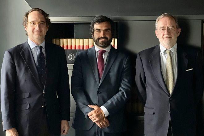 Pedro Rodero (socio director), Álvaro Barro y Alberto Manzanares, de Ontier.