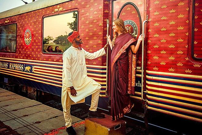 Indian Maharajas Express ofrece cuatro tipo de itinerarios que van desde los siete hasta los cuatro días y en los que se puede descubrir el Taj Mahal de Agra, la ciudad rosa de Jaipur o el bello lago de Udaipur.