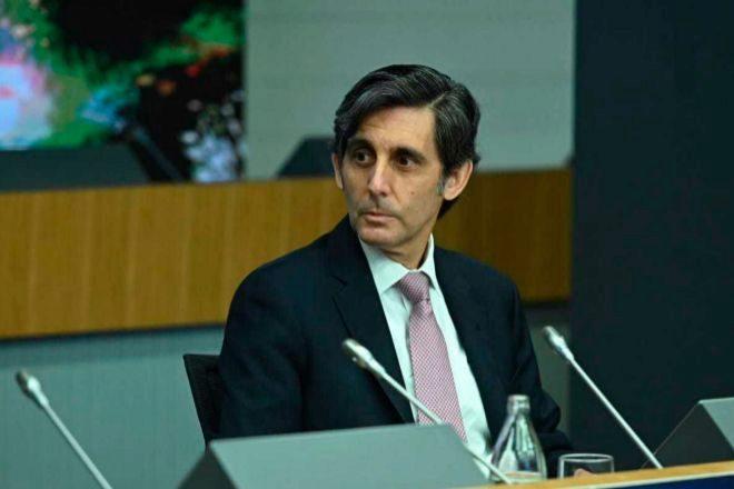 Telefónica vende a KKR el 60% de su filial de fibra en Chile por 500 millones