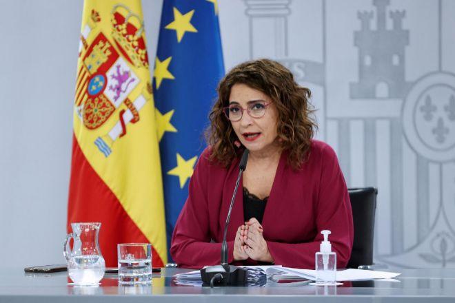 La portavoz del Gobierno y ministra de Hacienda, María Jesús Montero, durante la rueda de prensa posterior al Consejo de Ministors celebrado este martes en Moncloa.