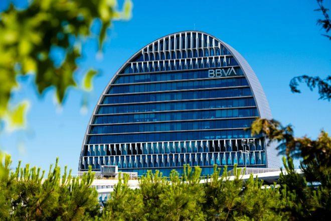 BBVA prepara un ERE para 3.000 empleados