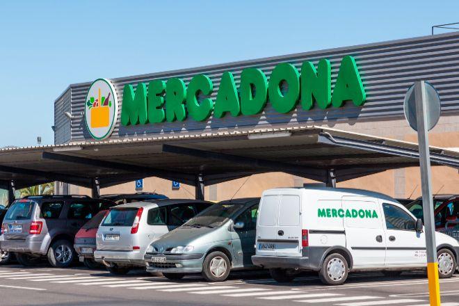 Mercadona negocia la venta de 30 supermercados al fondo israelí MDSR