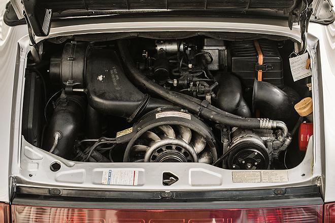 Motor del Porsche 911 Carrera 2 Type WTL Cabrio que perteneció a Diego Armando Maradona. De 3,6 litros, tinee una potencia de 250 caballos.