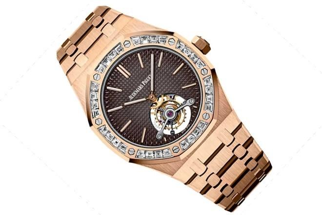 Audemars Piguet Royal Oak Tourbillon Extra-Thin realizado en oro rosa y con diamantes en el bisel.