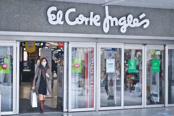 El Corte Inglés lanza un histórico plan de ajuste que afectará a 3.000 empleados
