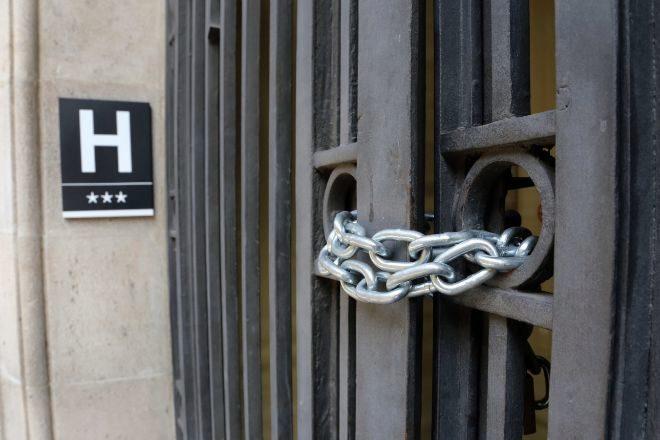 Hotel del centro de Barcelona cerrado por el Covid-19.