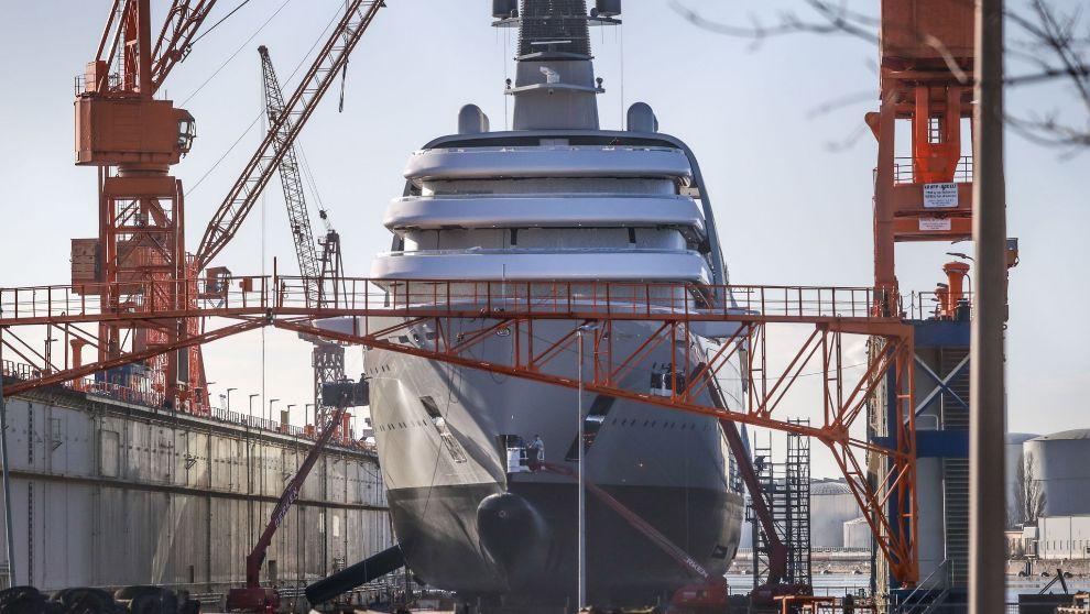La nueva embarcación Solaris del magnate ruso Roman Abramovich en los...