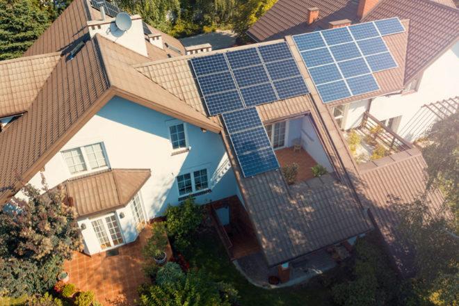 Las placas de Home Solar se adaptan a todo tipo de tejados, incluso los no excesivamente soleados.