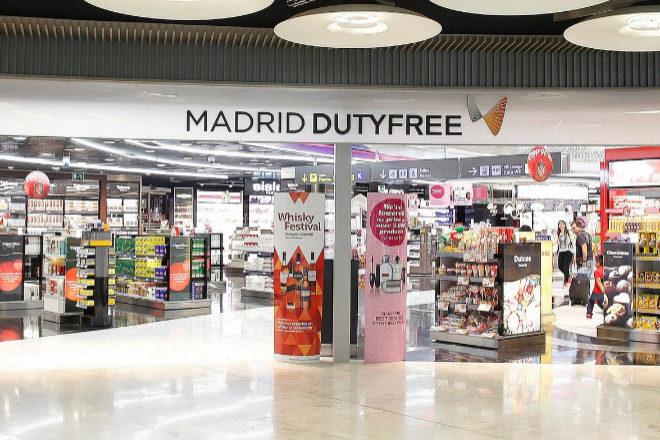 Las tiendas de los aeropuertos se han quedado vacías por la caída en el tráfico aéreo.