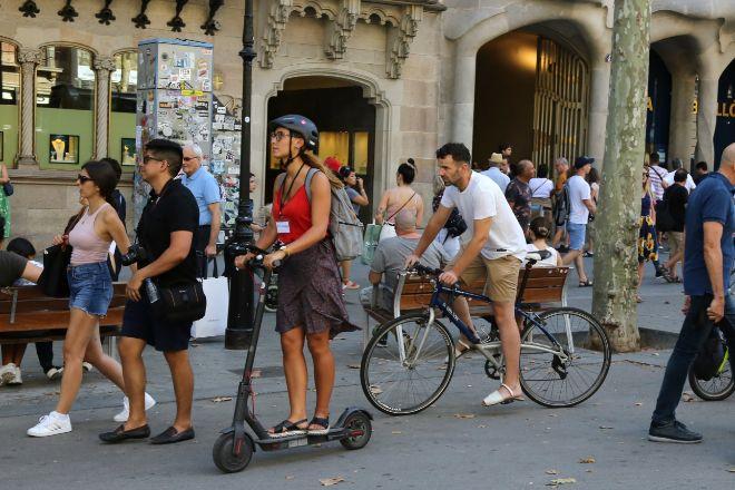 Clamor en el sector de los patinetes para que el Ayuntamiento de Barcelona relance el concurso
