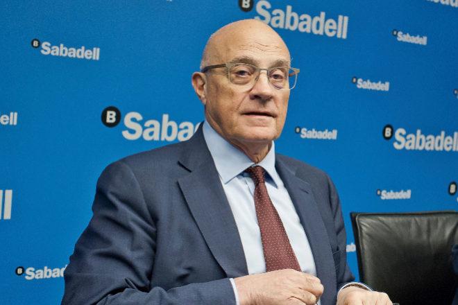 Sabadell, de patito feo a cisne blanco de la banca en Bolsa
