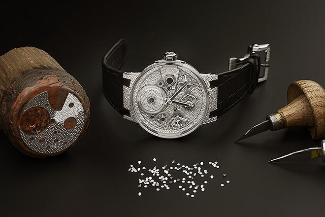 Herramientas con las que se engastan los 2.251 diamantes que lleva el reloj.