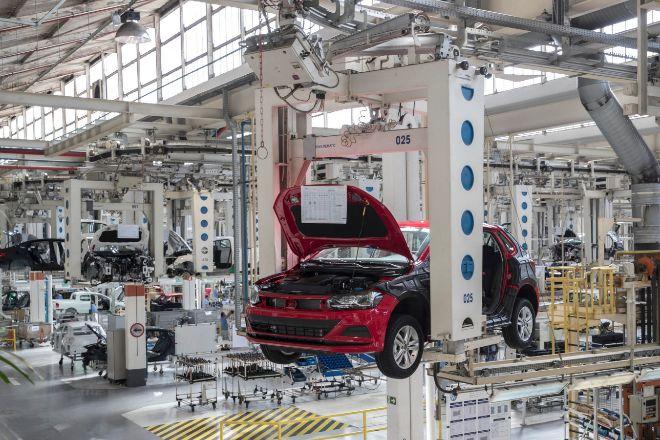 Línea de producción de la fábrica de Volkswagen en Sao Bernardo do Campo (Brasil).