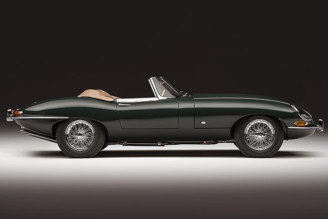 Versión cabrio, con el color verde en que se presentó en Ginebra en 1961: British Racing Green.