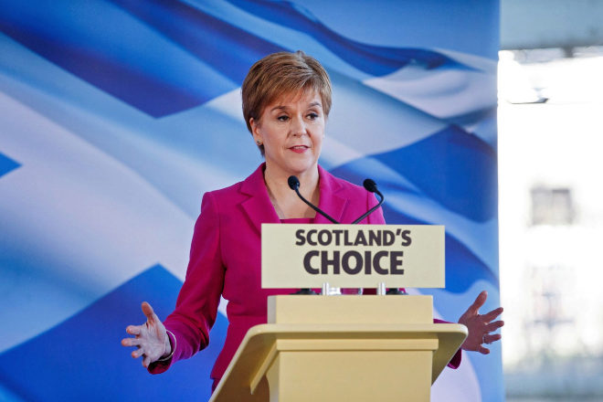 La independentista Nicola Sturgeon, primera ministra escocesa, buscará la reelección el 6 de mayo con la promesa de otro referéndum de independencia.