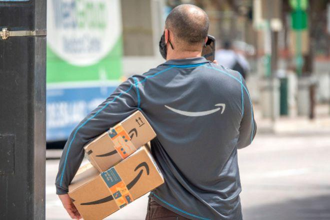 Amazon reconoce que sus conductores debían orinar en botellas