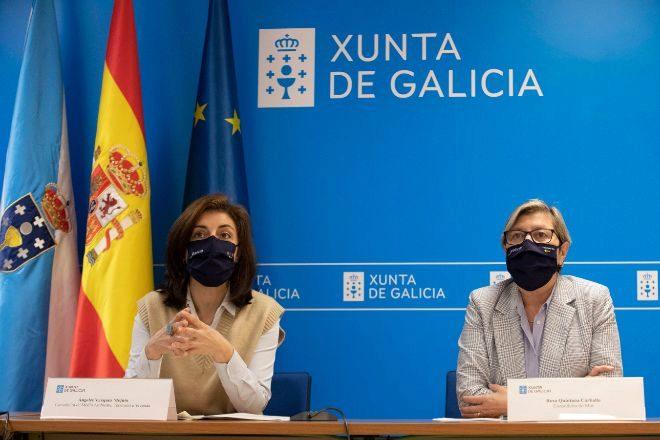 Rosa Quintana (a la derecha), conselleira del Mar, junto a la conselleira de Medio Ambiente, Ángeles Vázquez.