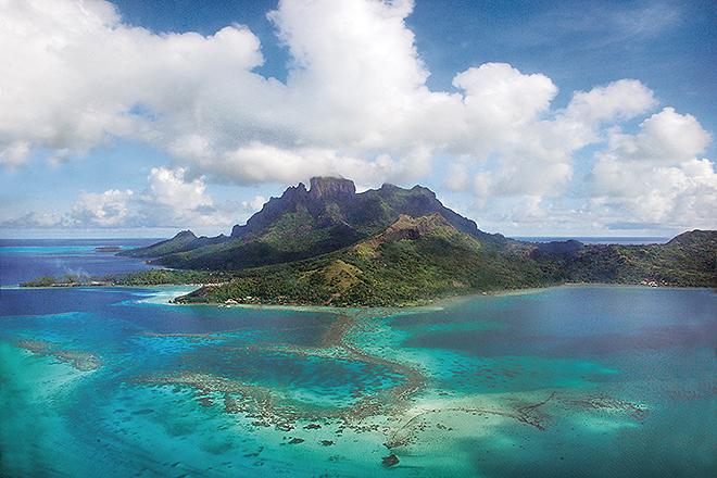 Bora a Bora es uno de los paraísos a explorar durante la travesía.
