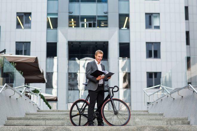 Francia dará primas a los que desguacen su coche para comprar una bicicleta