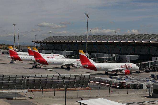 Aviones de Iberia estacionados en Barajas.