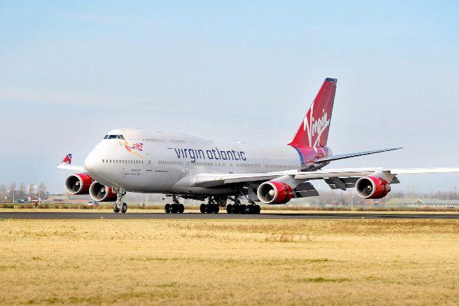 Avión de Virgin Atlantic en el aeropuerto de Schipol (Ámsterdam).
