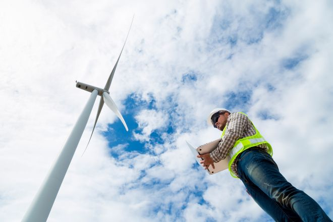 La energía eólica debe crecer al doble del ritmo que en la actualidad.