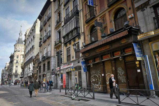 Fachada del restaurante Lhardy, en Madrid.