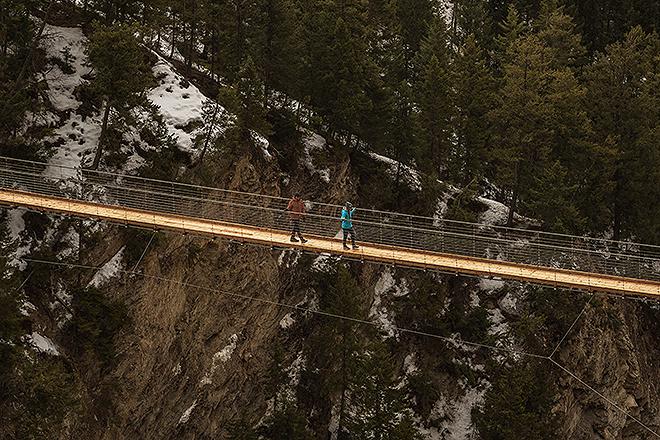 La experiencia incluye caminar por dos puentes a 130 y 80 metros sobre el suelo.