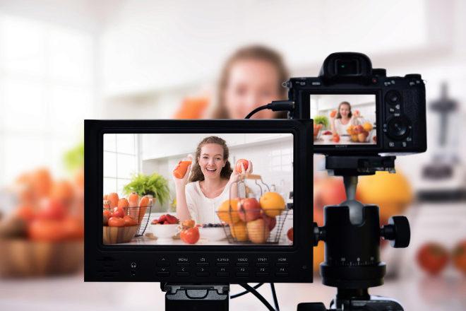 Un canal con unos 5.000 suscriptores y una media de 3.000 visualizaciones ya podría generar ingresos.