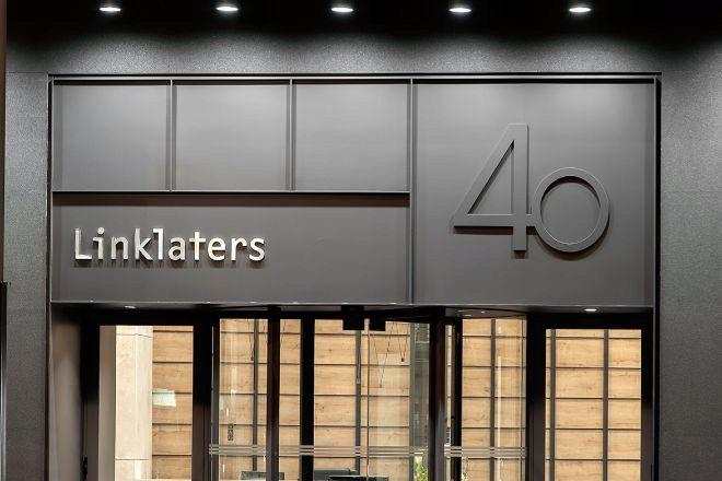 Linklaters participa en las dos operaciones de salida a Bolsa.