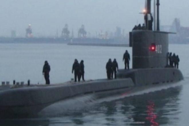 Búsqueda agónica de un submarino en Indonesia