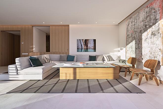Uno de los salones piloto donde se puede confirmar la importancia de la luz en el diseño de las viviendas.