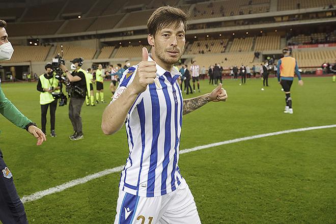 El futbolista canario de la Real Sociedad, 35 años, el pasado 3 de abril, tras el triunfo del equipo donostiarra en la final aplazada de la Copa del Rey 2019-2020.