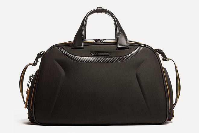 Bolsa de viaje Quantum. 32 x 19 x 54,5 cm. 695 euros.
