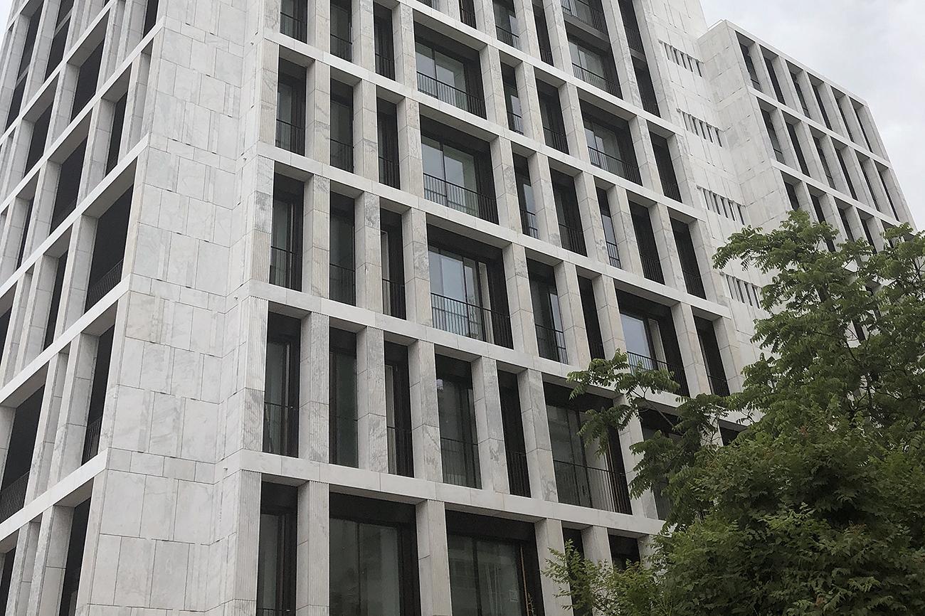 El edificio que alberga Castilho 203 fue diseñado por el arquitecto...