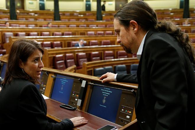 Adriana Lastra y Pablo Iglesias en el Congreso de los Diputados.