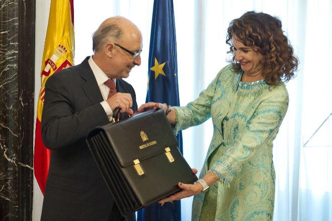 Traslado de la cartera de Hacienda de Cristóbal Montoro a María Jesús Montero, en junio de 2018.