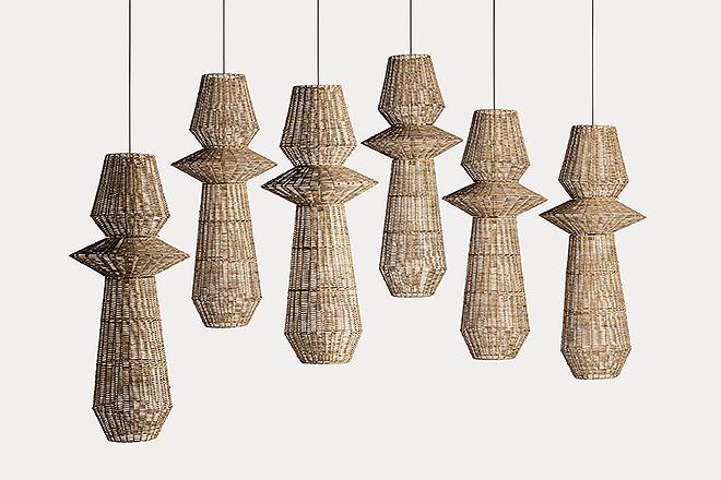 Lámparas suspendidas en ratán.