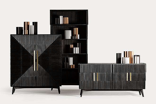 Muebles de madera plisada.