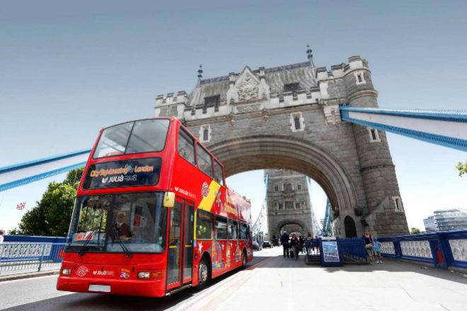 Alianza empresarial española para relanzar los autobuses turísticos de Londres