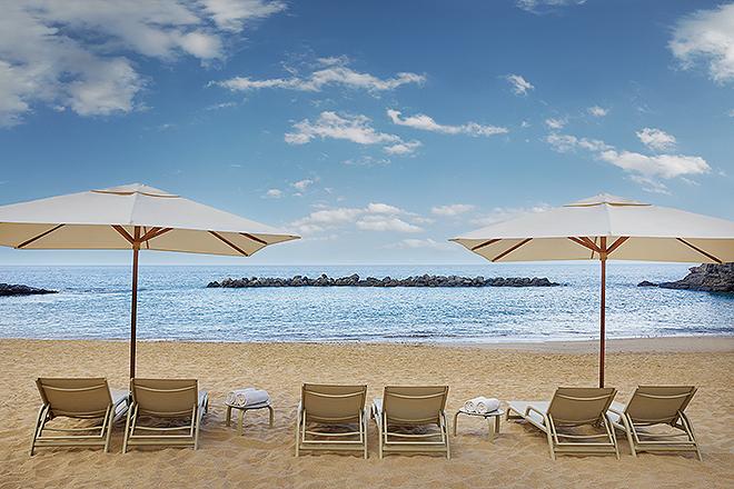 Vista de la playa Abama con acceso privado desde el hotel donde tiene lugar la experiencia.