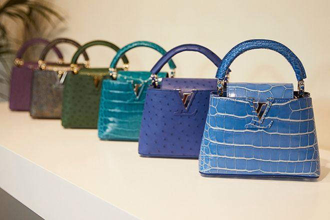 Bolsos Capucines acabados en distintos colores. Precio: 17.000 euros.