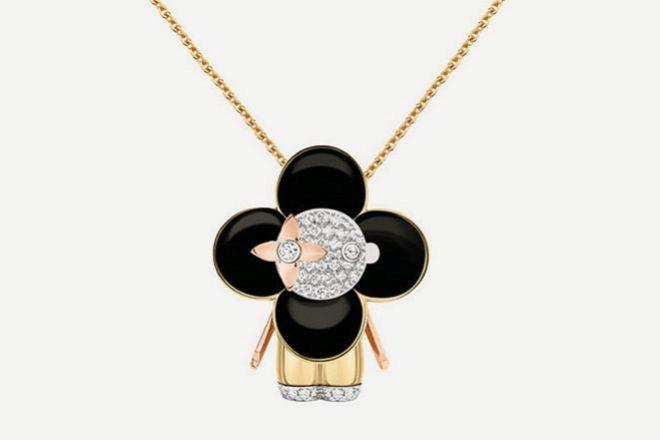 Colgante Vivienne, de oro amarillo y rosa, diamantes y laca negra. Precio: 25.000 euros.
